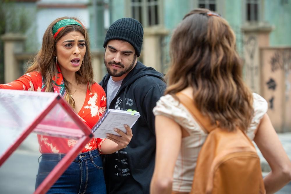 Juliana Paes, Caio Castro e Bruna Hamú ensaiam cena de 'A Dona do Pedaço' (Foto: Isabella Pinheiro/Gshow)