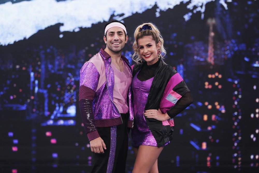O ator Kaysar Dadour e sua professora (Foto: Joca Costa/ Globo)