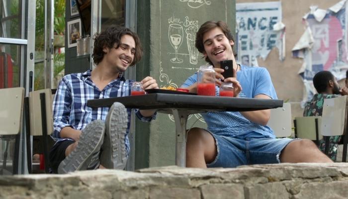 Danilo Mesquita (Nicolau) e Nicolas Prattes (Zac) em cena de Rock Story (Foto: Divulgação/Globo)