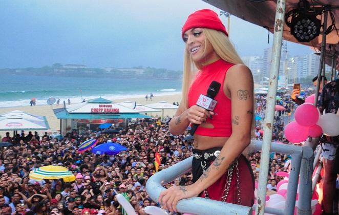 Pabllo Vittar na parada LGBT no Rio de Janeiro (Foto: Reprodução)