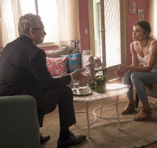 Eric e Paloma em cena da novela das 19h da Globo, Bom Sucesso (Foto: Reprodução)