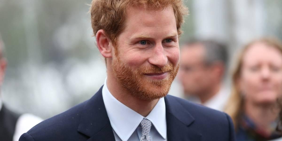 Príncipe Harry quebra protocolo da família real (Foto: Reprodução)