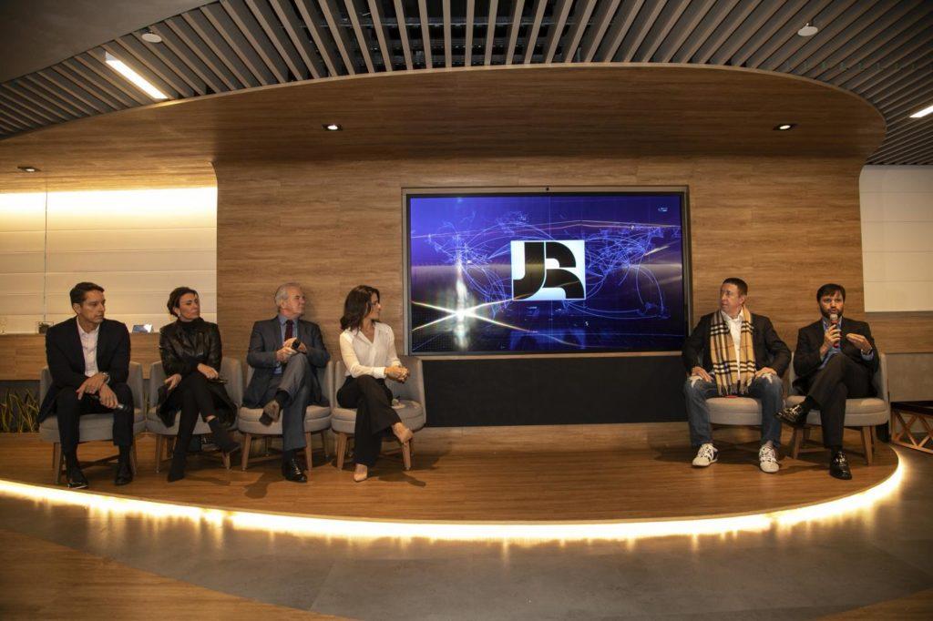 Coletiva de imprensa para anunciar as novidades do Jornal da Record. Foto: Assessoria/ Edu Moraes.
