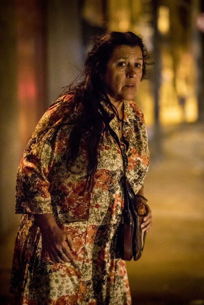 Regina Casé é Lurdes em 'Amor de Mãe' — Foto: Globo/ João Cotta