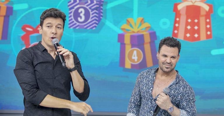 Eduardo Costa e Rodrigo Faro estiveram juntos no Hora do Faro da Record