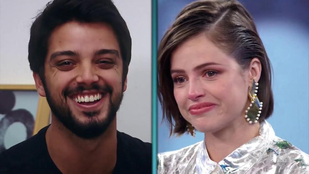 A atriz de A Dona do Pedaço da Globo, Agatha Moreira confunde Rodrigo Simas com ex-namorado