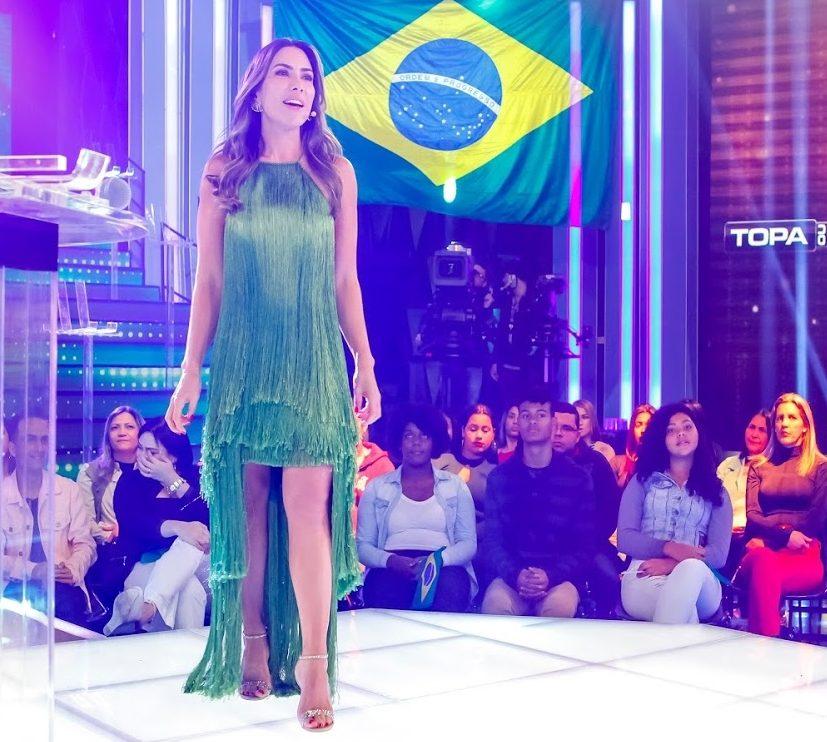 Patricia Abravanel de verde em comemoração ao 7 de Setembro (Foto: Divulgação)