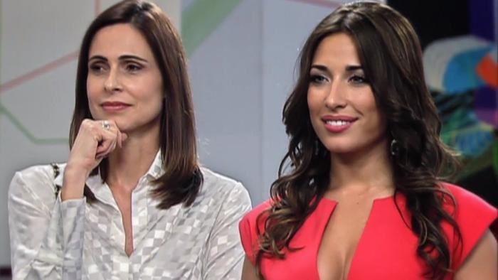 Silvia Pfeifer (Vera) e Gisele Itié (Bela) em cena da novela Bela, a Feia, que desbancou a Globo na audiência (Foto: Reprodução/Record)