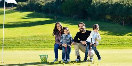 Ricardo Pereira, galã da Globo, a mulher Francisca e os filhos. (Foto: Reprodução/Instagram)