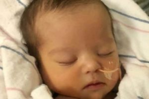 Apresentadora divulga foto de filhinha que nasceu com Síndrome de Down (Foto: Reprodução)
