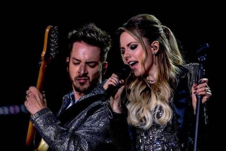 Sandy e Junior durante show em São Paulo (Foto: Divulgação)