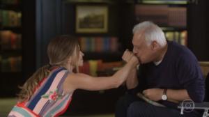 Paloma (Grazi Massafera) e Alberto (Antonio Fagundes) em Bom Sucesso (Foto: Reprodução/Globo)