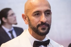 Álvaro (Irandhir Santos) será empresário mau-caráter em Amor de Mãe, próxima novela das nove da Globo (Foto: Globo/João Cotta)