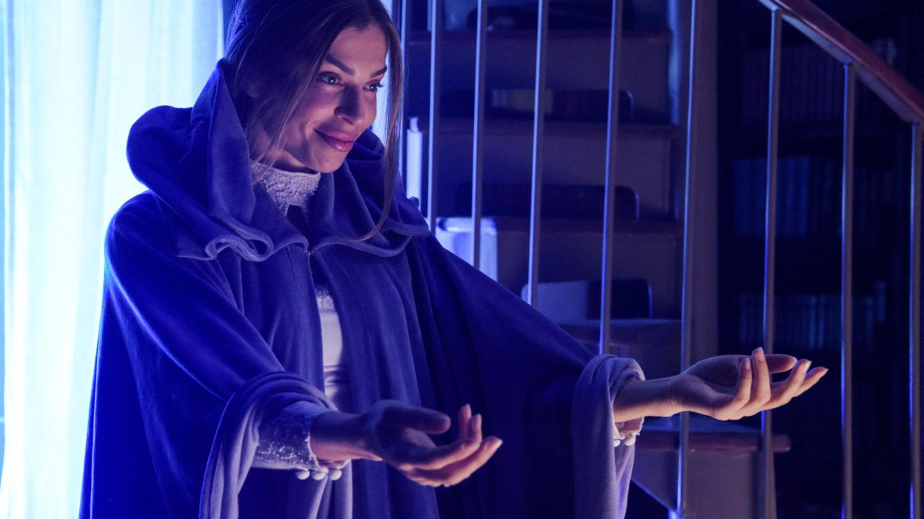 "Paloma ( Grazi Massafera ) como o ""fantasma"" do futuro de Alberto ( Antonio Fagundes"