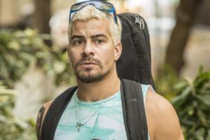 Ryan (Thiago Martins) em Amor de Mãe, nova novela das nove da Globo (Foto: Globo/João Cotta)