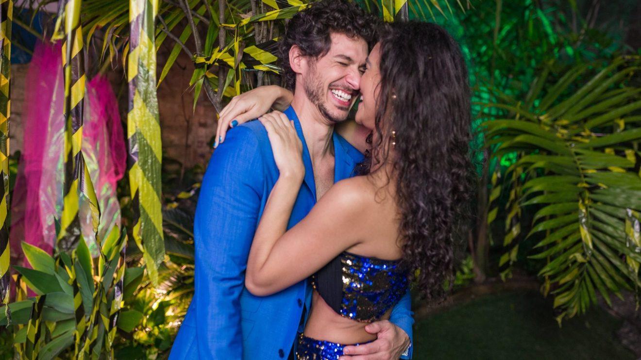 Debora Nascimento e o novo namorado, Luiz Perez (Foto: Festa Apocalipse Tropical/Facebook) José Loreto