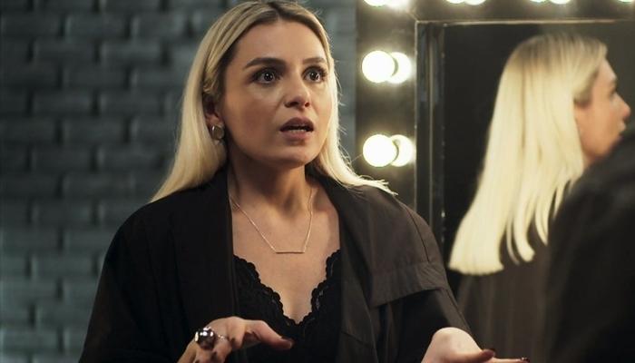 Kim (Monica Iozzi) em A Dona do Pedaço (Foto: Reprodução/Globo)
