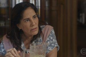 Gloria Pires (Lola) em cena da novela Éramos Seis, que amargou sua pior audiência no feriado; Bom Sucesso também teve recorde negativo (Foto: Reprodução/Globo)