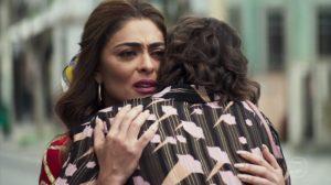 Maria da Paz (Juliana Paes) terá milagre com redenção de Josiane (Agatha Moreira) em A Dona do Pedaço (Foto: Reprodução/Globo)