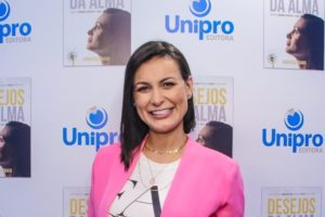 A história da famosa ex-participante de A Fazenda e apresentadora da Record, Andressa Urach (Thiago Duran/AgNews)