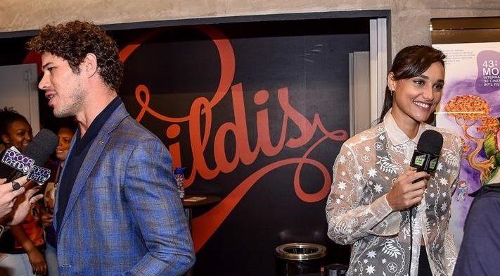 José Loreto e Débora Nascimento ficam cara a cara durante evento. Foto: Macelo Sá Barretto / AgNews