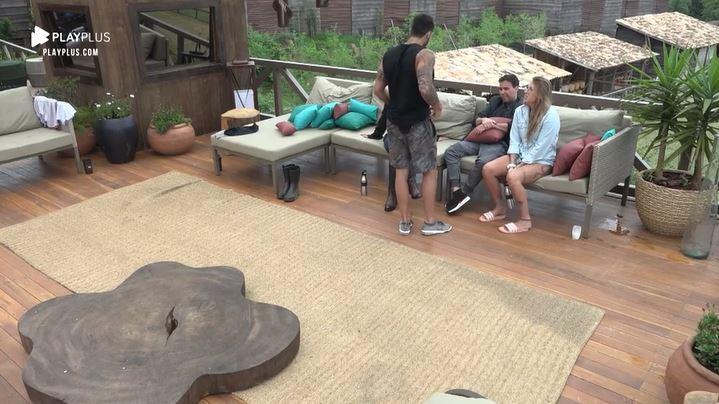 Andréa de Nóbrega, Netto, Bifão e Viny Vieira em A Fazenda 11 (Reprodução: PlayPlus)