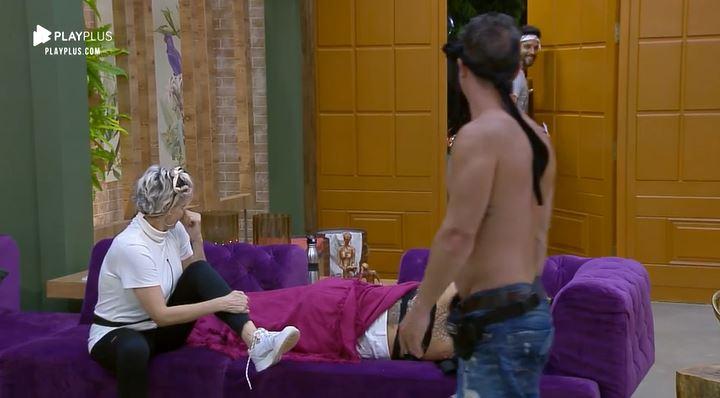 Andréa de Nóbrega revela para Jorge Sousa que prefere que Diego Grossi volte da Roça ao invés de Tati Dias em A Fazenda 11 (Reprodução: PlayPlus)