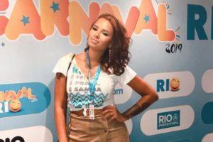 Ariadna Arantes do BBB no Carnaval do Rio durante o Desfile das Campeãs (Reprodução: Redes Sociais)