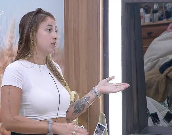 Bifão é humilhada por problemas nas pernas pelo peão Guilherme Leão em A Fazenda 11 (Reprodução: PlayPlus)