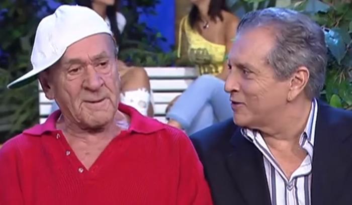 O ex-comediante da A Praça É Nossa, do SBT, Ronald Golias fala sobre Carlos Alberto de Nóbrega (Foto: Reprodução)