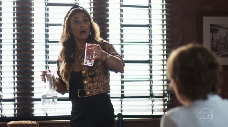 Maria da Paz (Juliana Paes) pode conseguir o documento da pasta verde em A Dona do Pedaço (Reprodução: Globoplay)