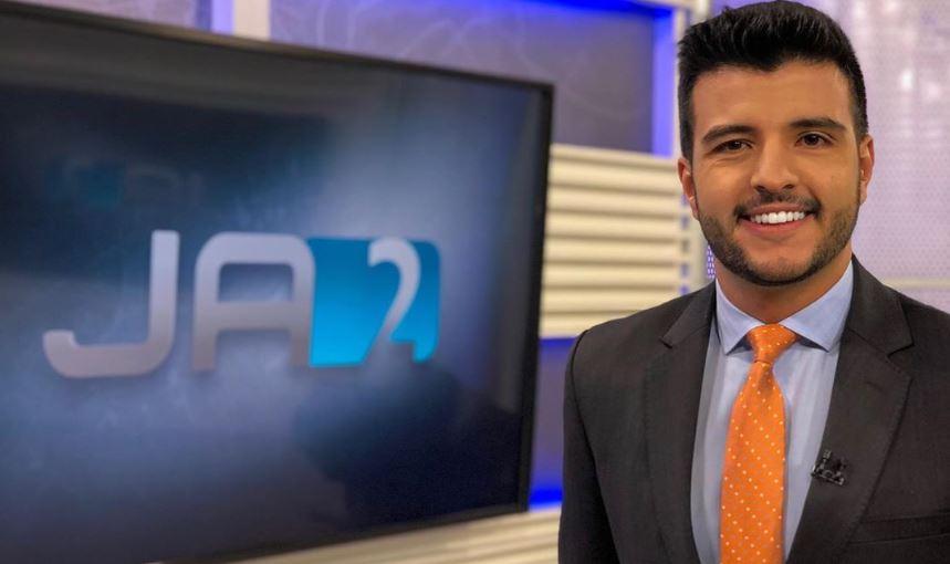 Matheus Ribeiro foi atacado por internauta nas com pergunta indelicada (Foto: Reprodução/Instagram)
