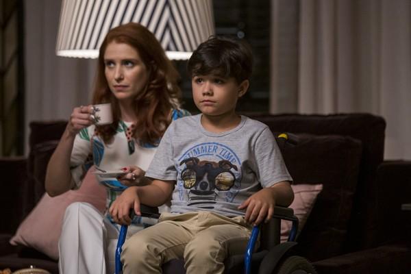 Roma (Julia Lund) e Arthur (Bernardo Dantas) em A Dona do Pedaço (Reprodução: TV Globo)