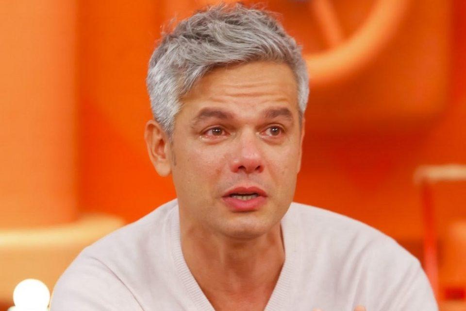 O apresentador Otaviano Costa em entrevista ao SBT (Foto: Divulgação)