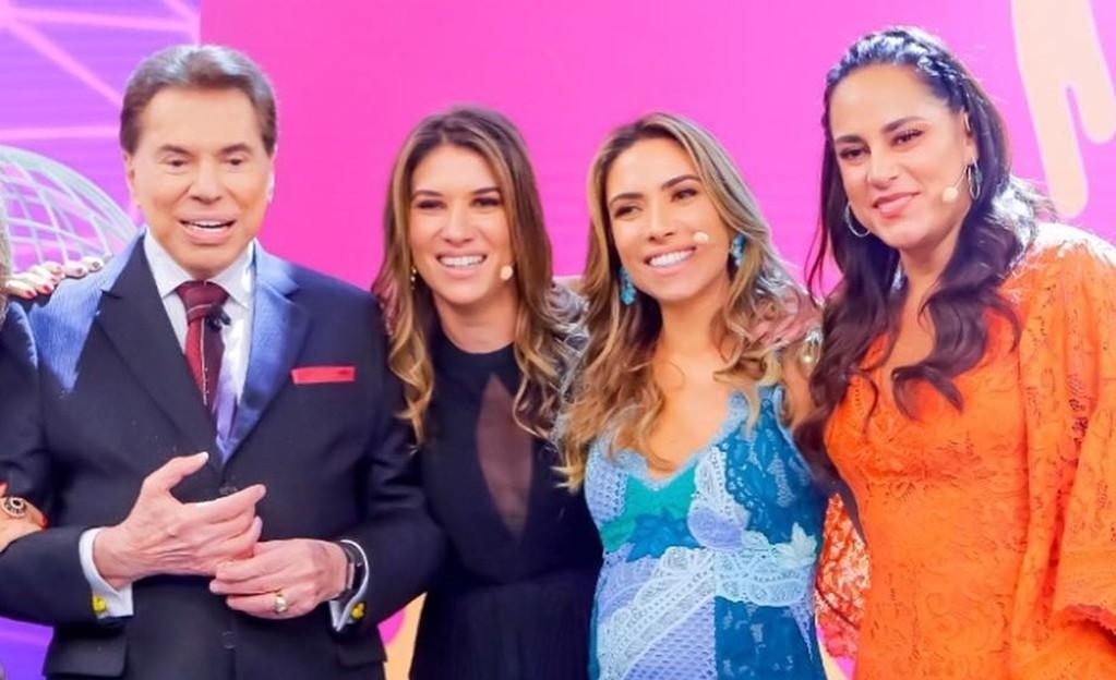 Silvio Santos e as filhas, Rebeca, Patrícia e Silvia, no SBT