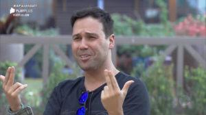 Viny Vieira é um dos participantes polêmicos de A Fazenda 11 da Record TV (Reprodução: PlayPlus)
