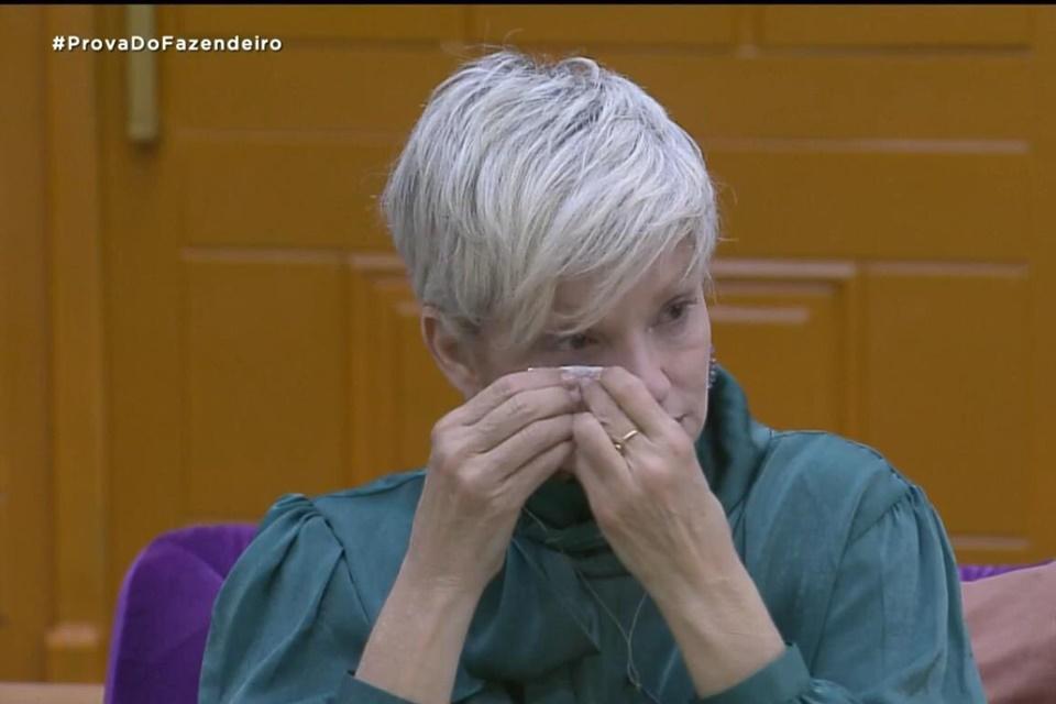 Andréa de Nóbrega arrumou treta feia em A Fazenda (Foto: Reprodução)