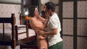 Bruno Gissoni protagoniza cenas quentes com Agatha Moreira em A Dona do Pedaço (Imagem: Reprodução)