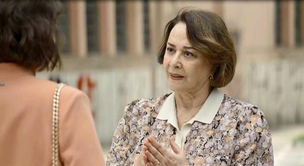 Evelina em cena da novela das 21h, A Dona do Pedaço (Foto: Reprodução)