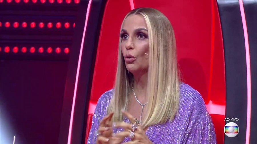 Ivete Sangalo chama a atenção no The Voice Brasil (Foto: Reprodução)