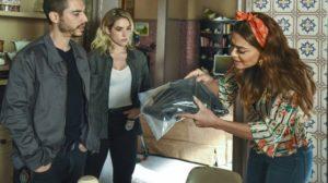 Maria da Paz (Juliana Paes) reconhecerá prova do crime de Josiane (Agatha Moreira) em A Dona do Pedaço (Foto: Globo/Cesar Alves)