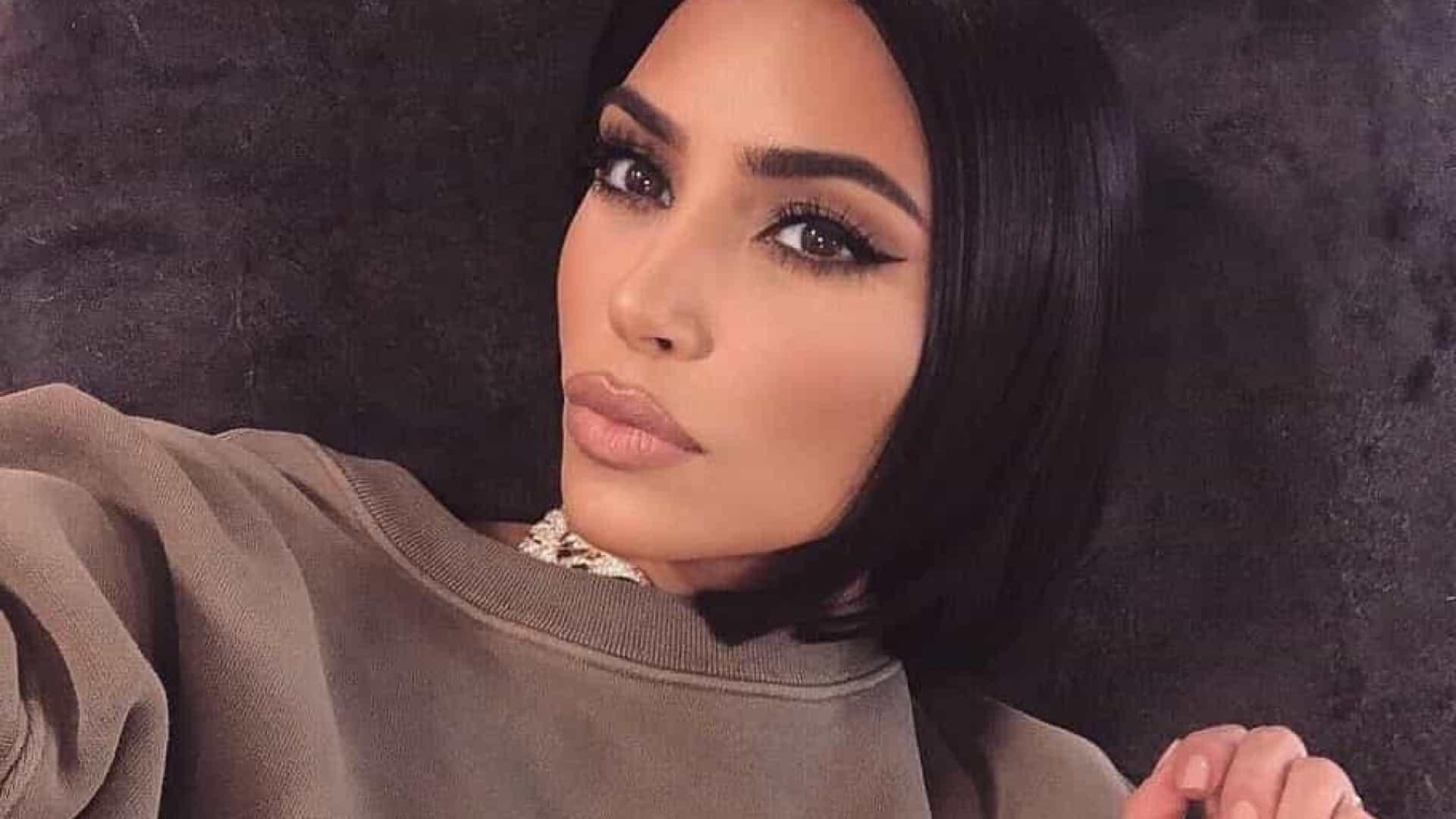 Kim Kardashian crítica os paparazzis que tentam fotografar as roupas intimas dela (Foto: Reprodução)