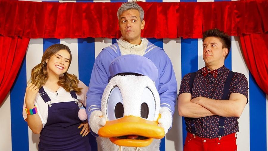 Otaviano Costa se veste de Pato Donald no Programa da Maisa do SBT
