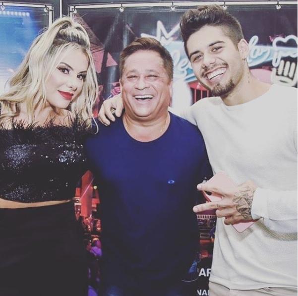 O cantor Leonardo, seu filho Zé Felipe e a esposa Poliana (Foto: Reprodução/ Instagram)