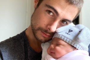 O ator da TV Globo, Rafa Vitti e sua filha, Clara Maria (Reprodução/Instagram)