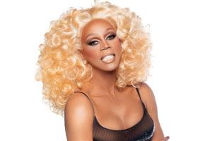A famosa drag queen RuPaul, fala durante entrevista sobre o preconceito que enfrentou até chegar a ser quem é hoje (Foto: Reprodução)