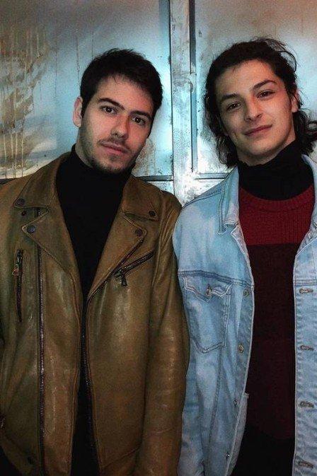 Futuros galãs: Antônio Benício e Pedro Waddington fazem teatro Foto: Reprodução/Instagram