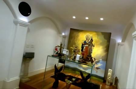 A capela na mansão de Hebe Camargo Foto: reprodução de vídeo