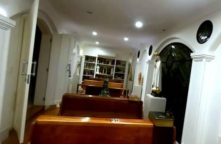 A capela da mansão de Hebe Camargo Foto: reprodução de vídeo