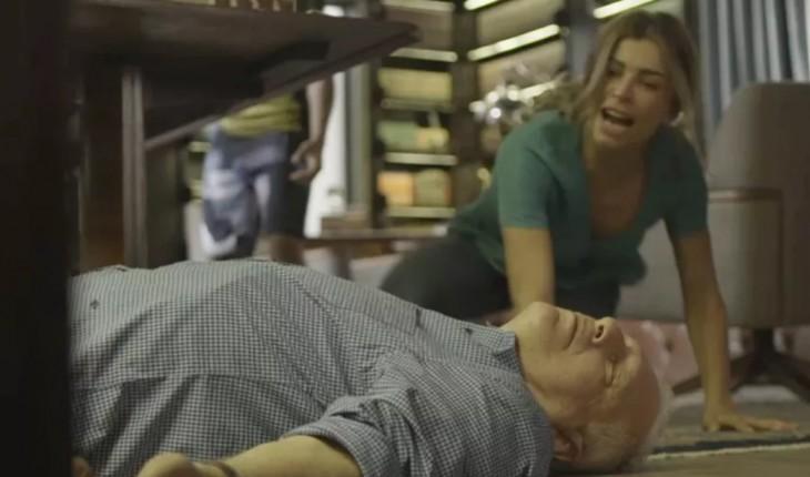 Alberto em cena de Bom Sucesso, novela das 19h da Globo (Foto: Reprodução)